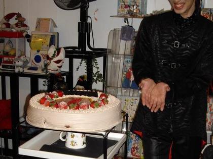 Ideally_0503_birthdaycake_2